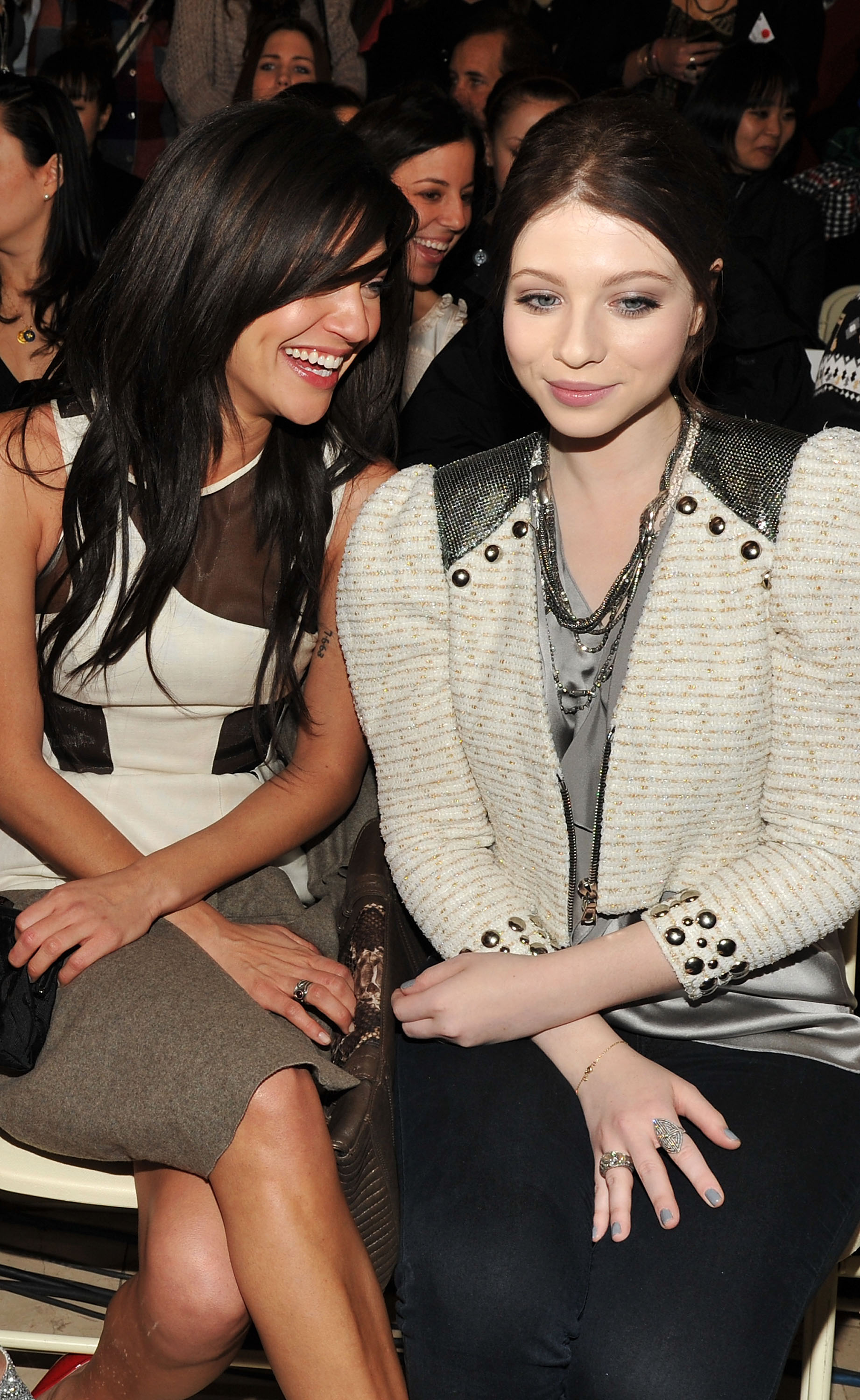 Jessica Szohr and Michelle Trachtenberg