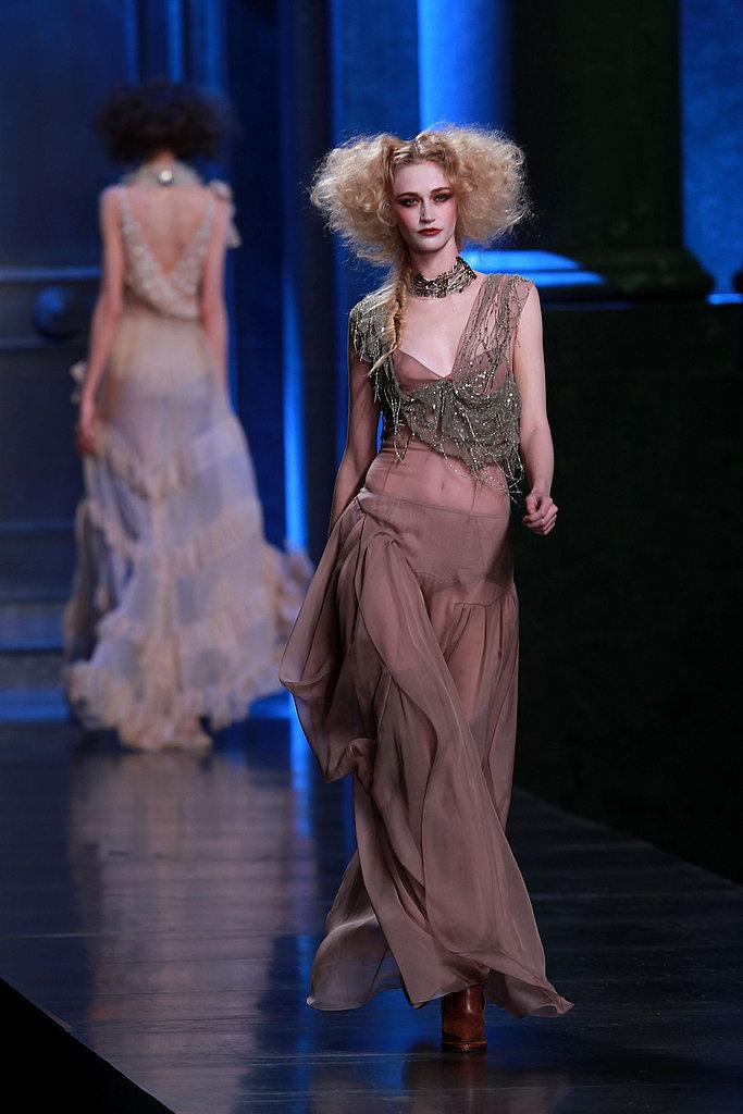 Christian Dior Fall 2010: Libertine Ladies and Anna Wintour's Last Show This Paris Fashion Week