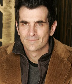 Lil Links: Ty Burrell and Wife Adopt Daughter!