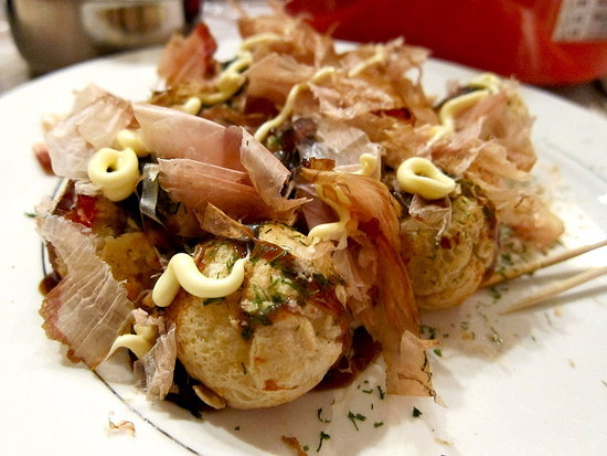 More takoyaki! Doesn't it look delicious?