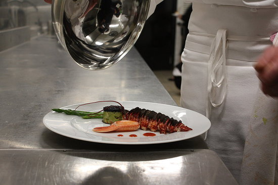 Dig a Cherry also went behind the scenes at a Parisian kitchen to see how decadent lobster with truffle and caviar is plated.
