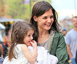 Slide Picture of Katie Holmes and Suri Cruise in NYC