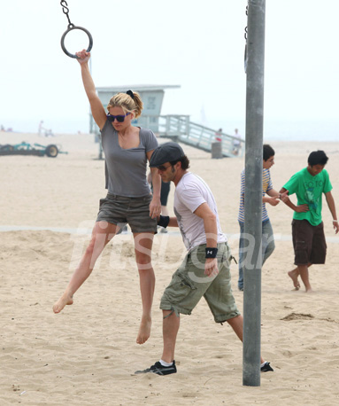 Pictures of Anna Paquin and Stephen Moyer on the Rings in Santa Monica