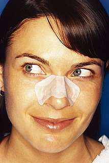 How to Correct a Crooked Nose With Makeup