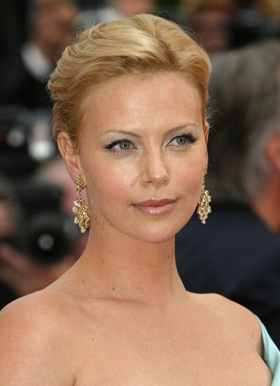 essay/oscar night of charlize theron All originals drama comedy reality primetime late night daytime classics specials news $1 48 charlize theron on 'huntsman' crazy costumes & bad 146 with cbs.