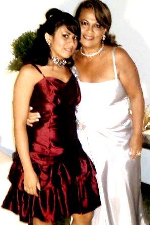 Roberta C. e sua Mãe Ângela Sousa ;* **