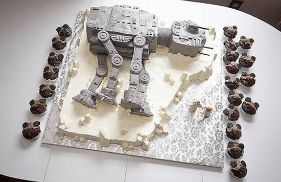 AT-AT Wedding Cake, and Nintendo's 3DS Name in Japan