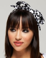 How to Mix and Match Hair Accessory Patterns