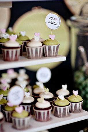 Love the little DIY toppers on these sweet treats! Photo by April Smith Photography via Source