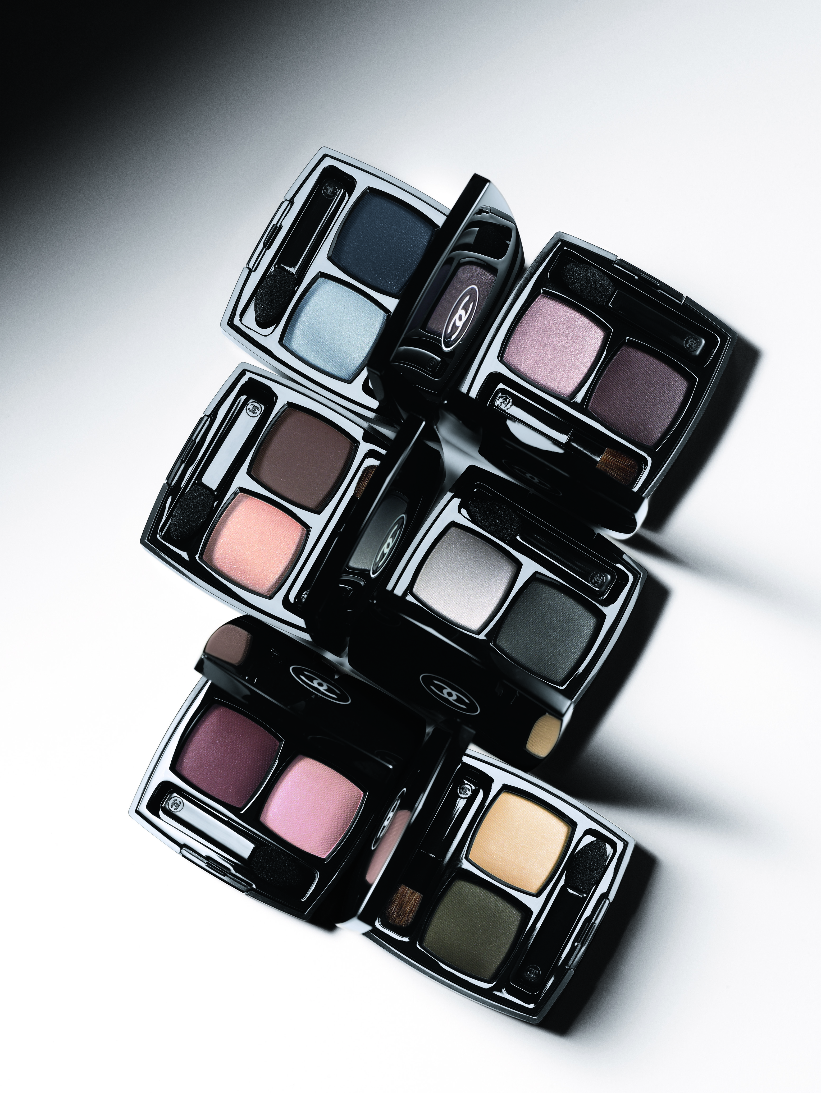 Chanel, осень-зима 2010-2011 / тени шанель цена.