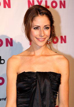 Exclusive: Amanda Crew Talks Sailing Away With Zac Efron in Charlie St. Cloud 2010-07-30 14:00:00