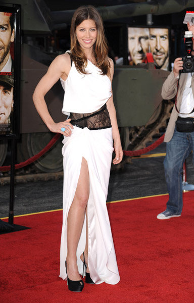 Dangerously sexy in Emilio Pucci at the LA premiere.