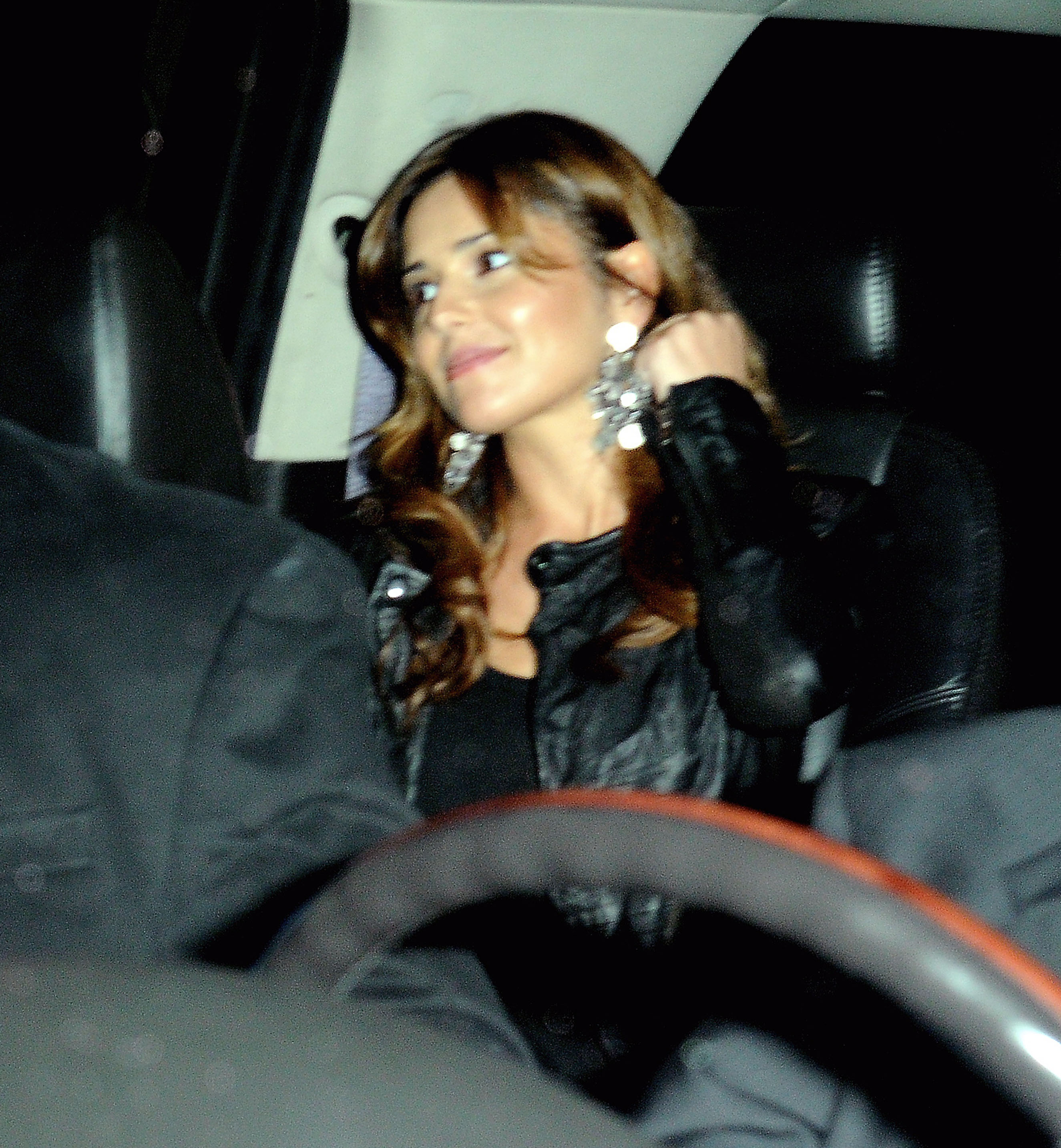 cheryl cole online dating Liam payne and cheryl cole seemed like the perfect celebrity couple but the romance has reportedly come to an end  secretly dating best friend laura demasie.