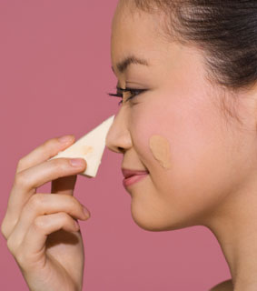 How to Get the Right Foundation Texture For Your Skin 2010-08-17 09:00:00