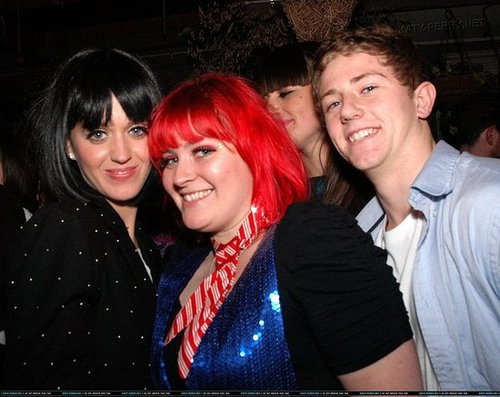 Katy Perry at Lesbian Nightclub in Austrailia