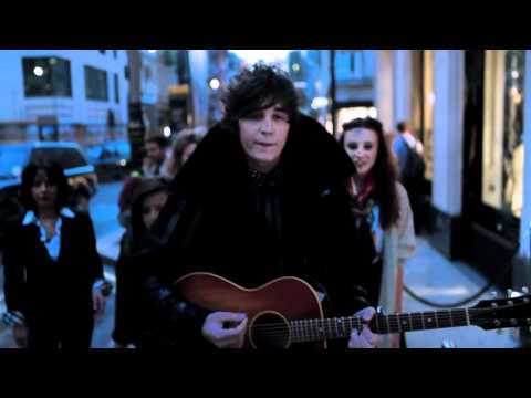 Video of George Craig Singing Chemistry at Burberry for Fashion's Night Out London