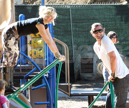 Slide Picture of Gwen Stefani and Gavin Rossdale at Park in LA