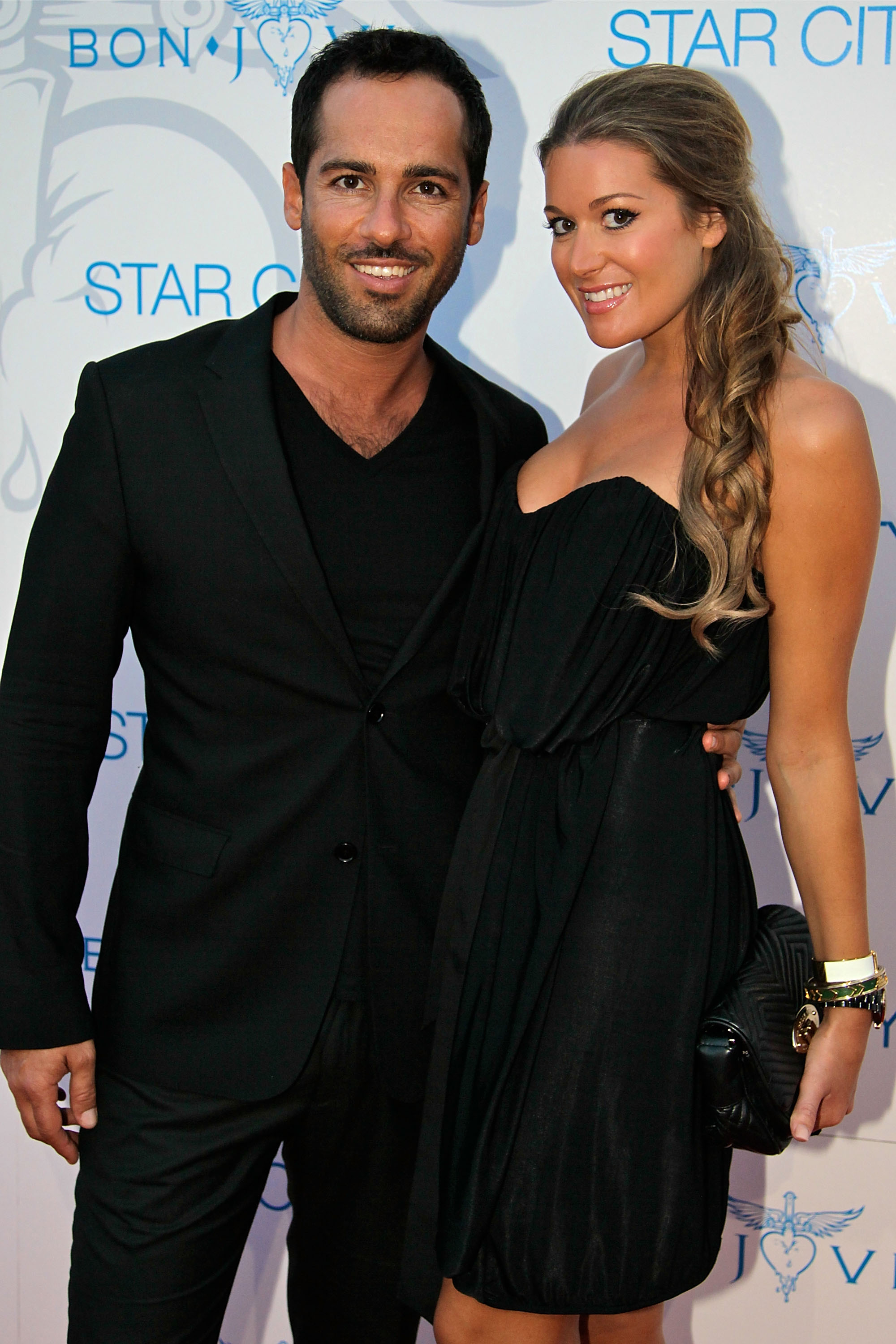 Alex Dimitriades, Anji Lake