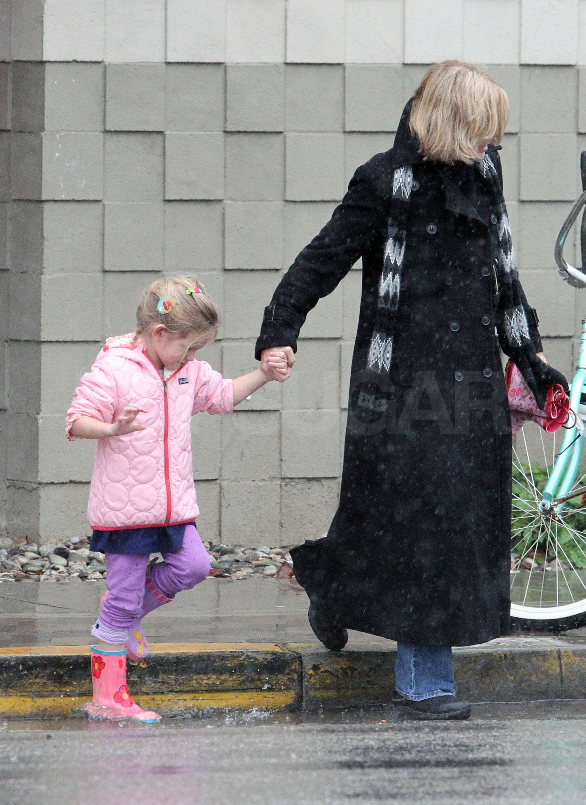Jennifer Garner, Seraphina, and Violet Bowl Us Over With Cuteness!