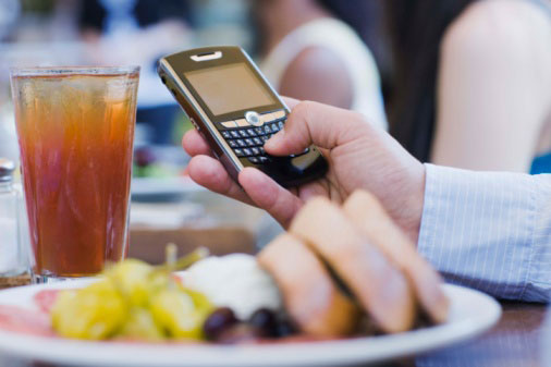 New Year's Resolution: Better Cell Phone Etiquette