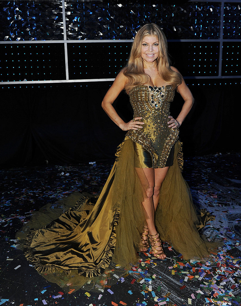 Fergie's over-the-top greenish-gold dress was fit for a fiesta.