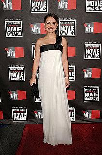 Pictures of Pregnant Natalie Portman at Critics Choice Awards