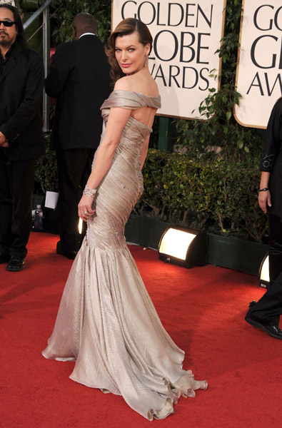 Another Armani Prive stunner on Milla Jovovich. What a great off-shoulder detail.