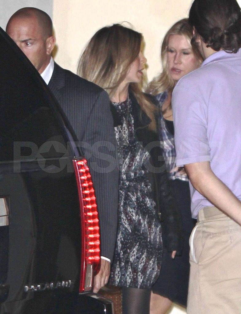 Jennifer Aniston Takes Time For Friends