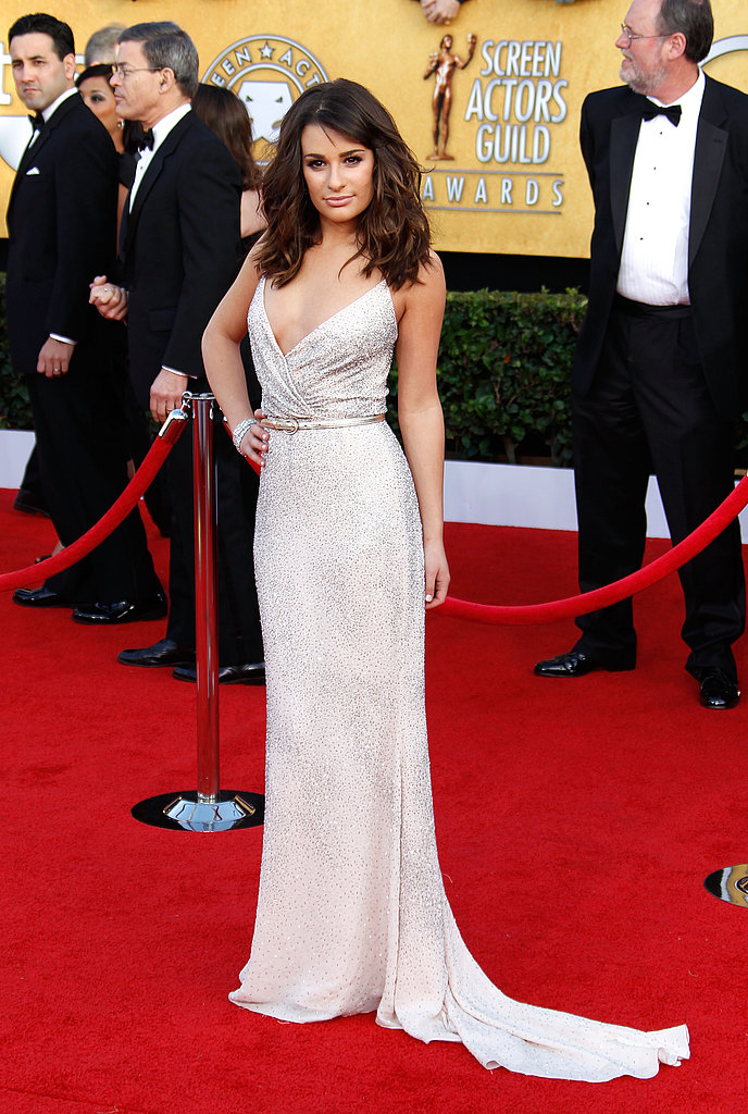 Lea Michele Picks an Oscar For Her SAG Entrance!