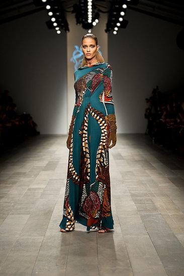 Fall 2011 London Fashion Week: Issa London