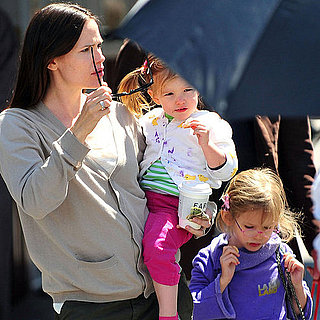 Pictures of Jennifer Garner With Violet and Seraphina 2011-04-08 18:49:36