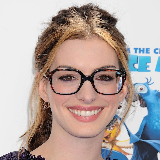 Get Anne Hathaway's Nars Lip Colour From the Rio Premiere