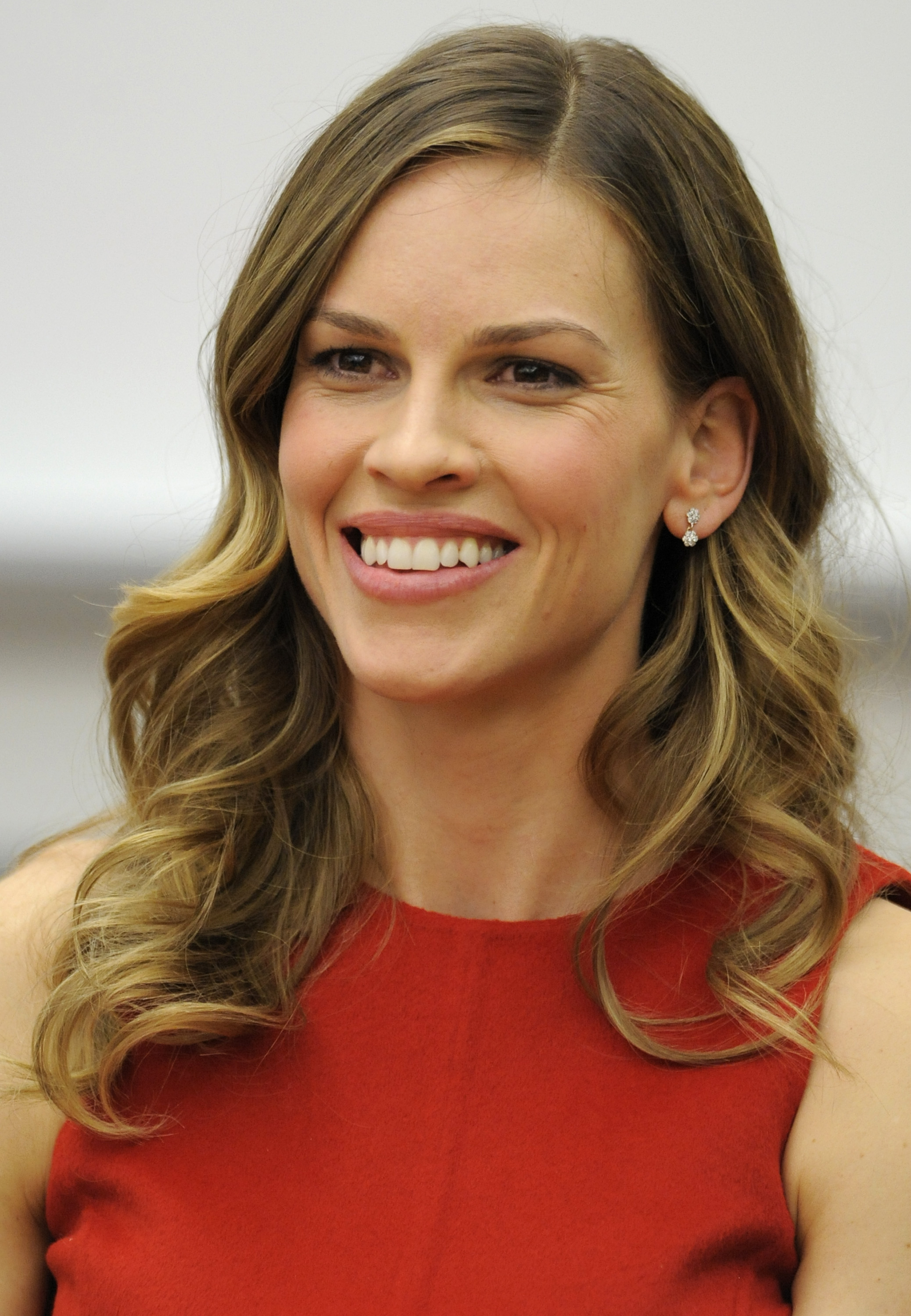 Hilary Swank Clips Coupons | That's Hot: 8 Celebs Who Don ...