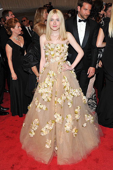 "Dakota Fanning(2011 Met Gala...""Alexander McQueen: Savage Beauty"")"