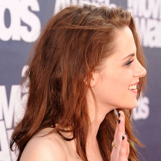 Kristen Stewart's Nail Polish at the 2011 MTV Movie Awards
