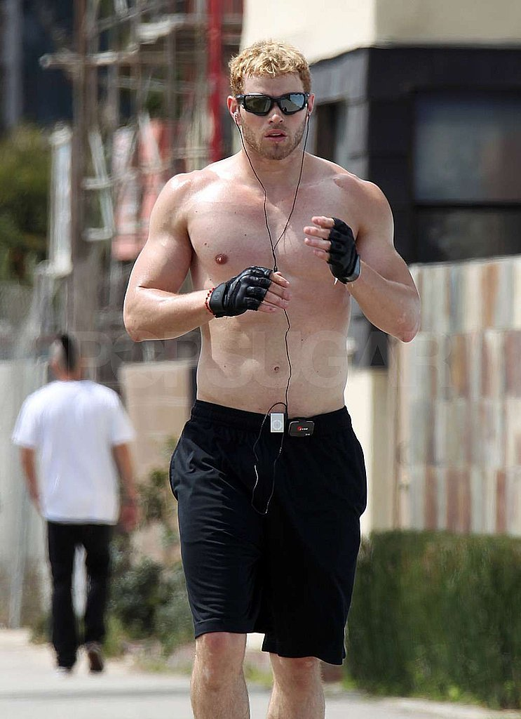 Kellan Goes For a Shirtless Run Following Twilight's Winning Weekend