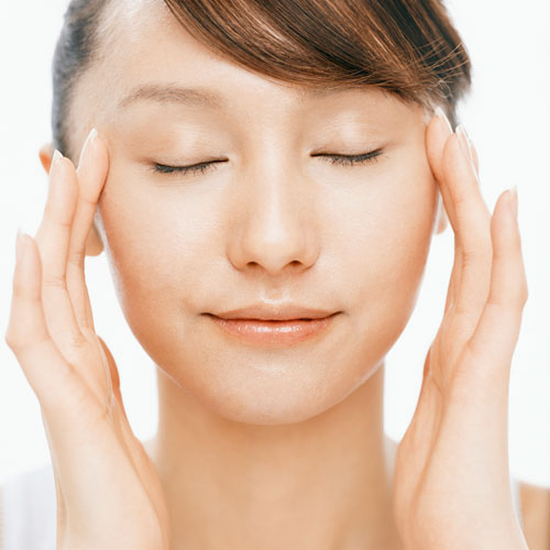 How to Give Yourself a Facial Massage