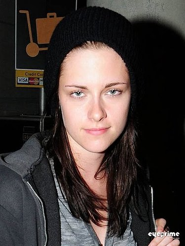 """Back in LA"" July 10th Kristen Stewart pics at LAX"