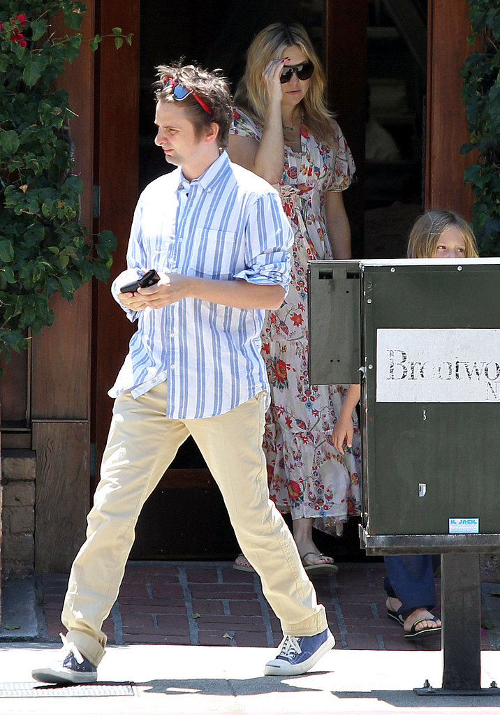 Kate Hudson out with Matthew Bellamy and Ryder after giving birth.