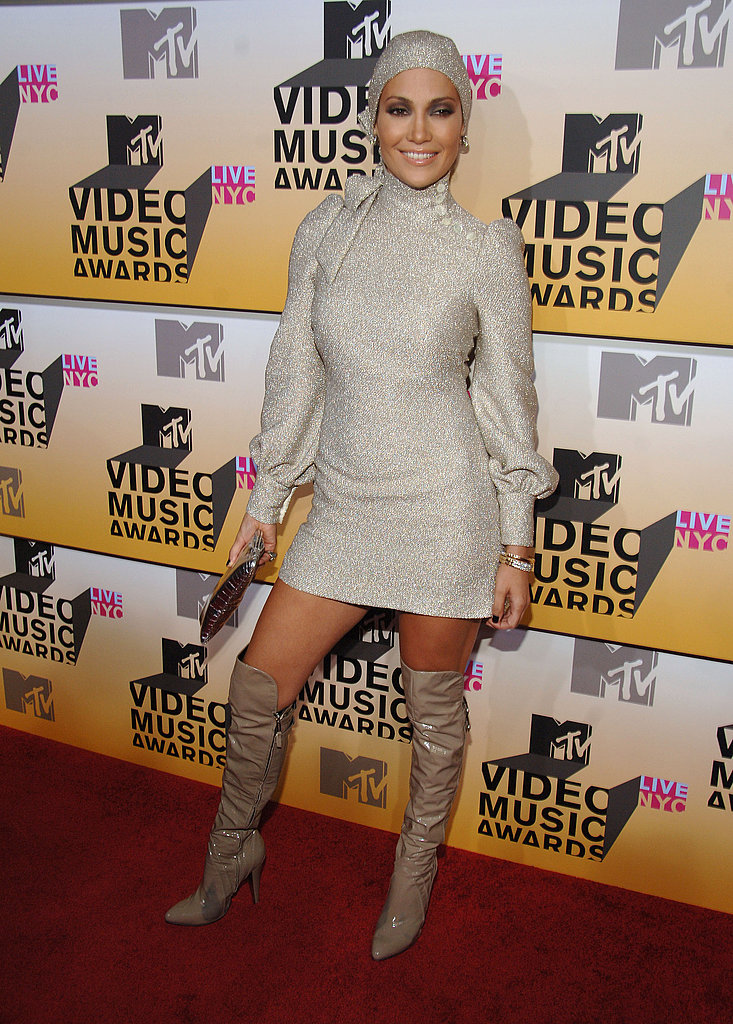 Rocking a turban and over the knee boots at the MTV Video Music Awards in '06.