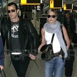 Video of Jennifer Aniston and Justin Theroux Holding Hands in London