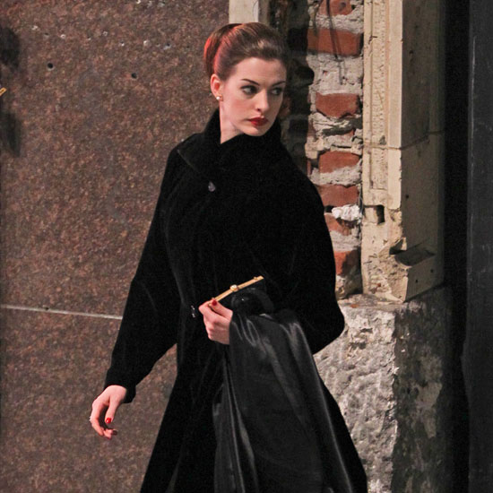 Anne Hathaway Pictures as Selina Kyle For Dark Knight