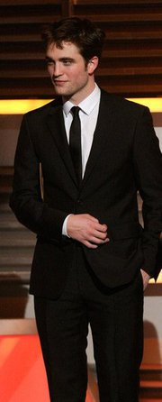 Robert Pattinson Fans ... GO GO GO... Facebook it....