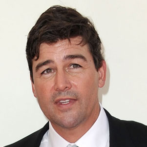 Kyle Chandler Wins Emmy For Best Drama Actor 2011