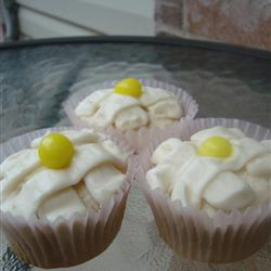 Mouth-Watering Lemon Cupcakes -Add your own flair!