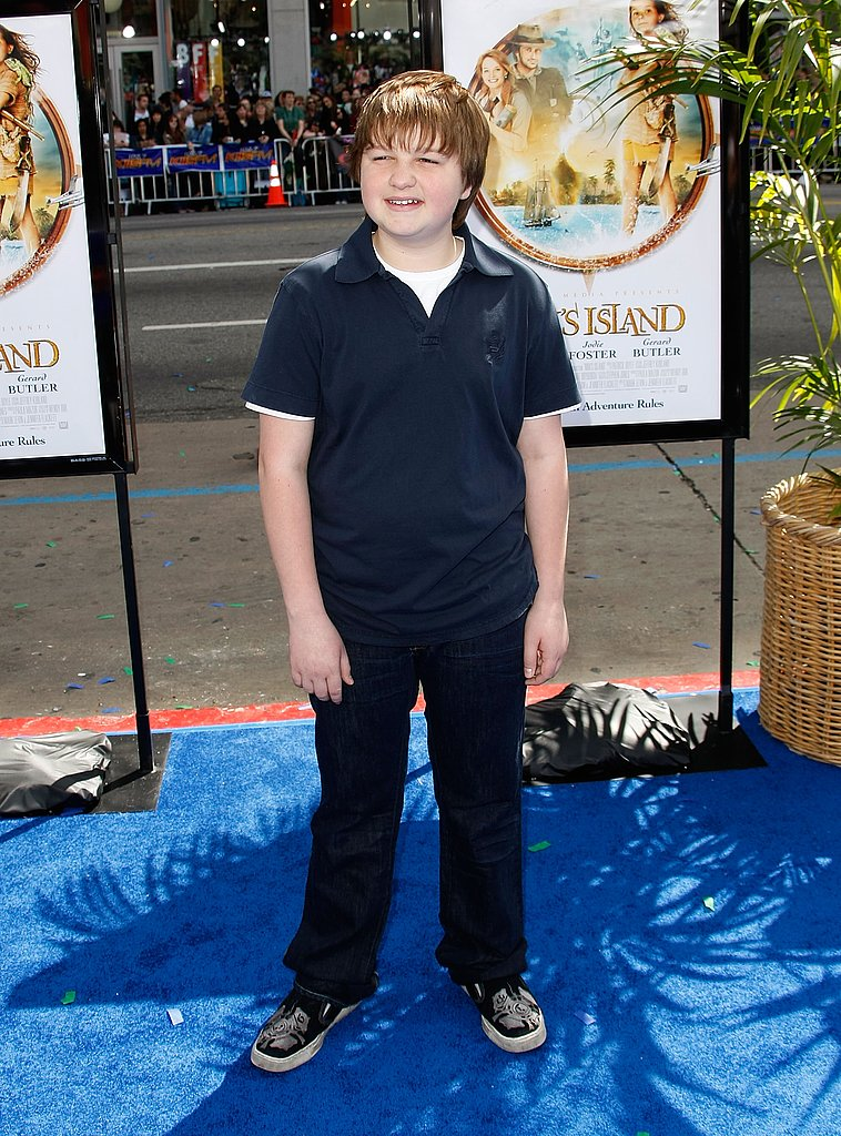 Walking the blue carpet at the premiere of Nim's Island in March 2008.