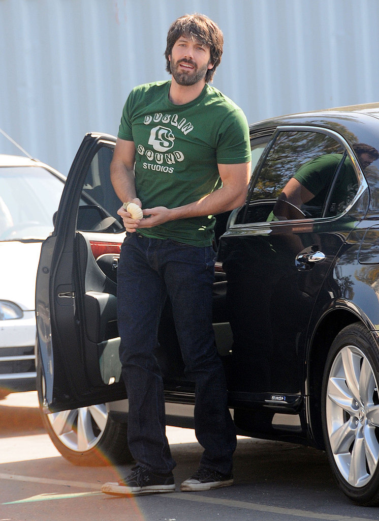 Ben Affleck wore a green shirt.