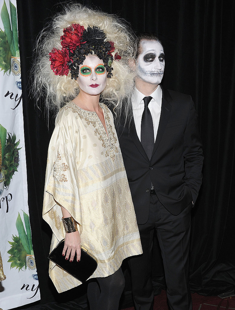 Debra Messing and Daniel Zelman painted their faces for Bette Midler's 2011 New York Restoration Project's Hulaween event.