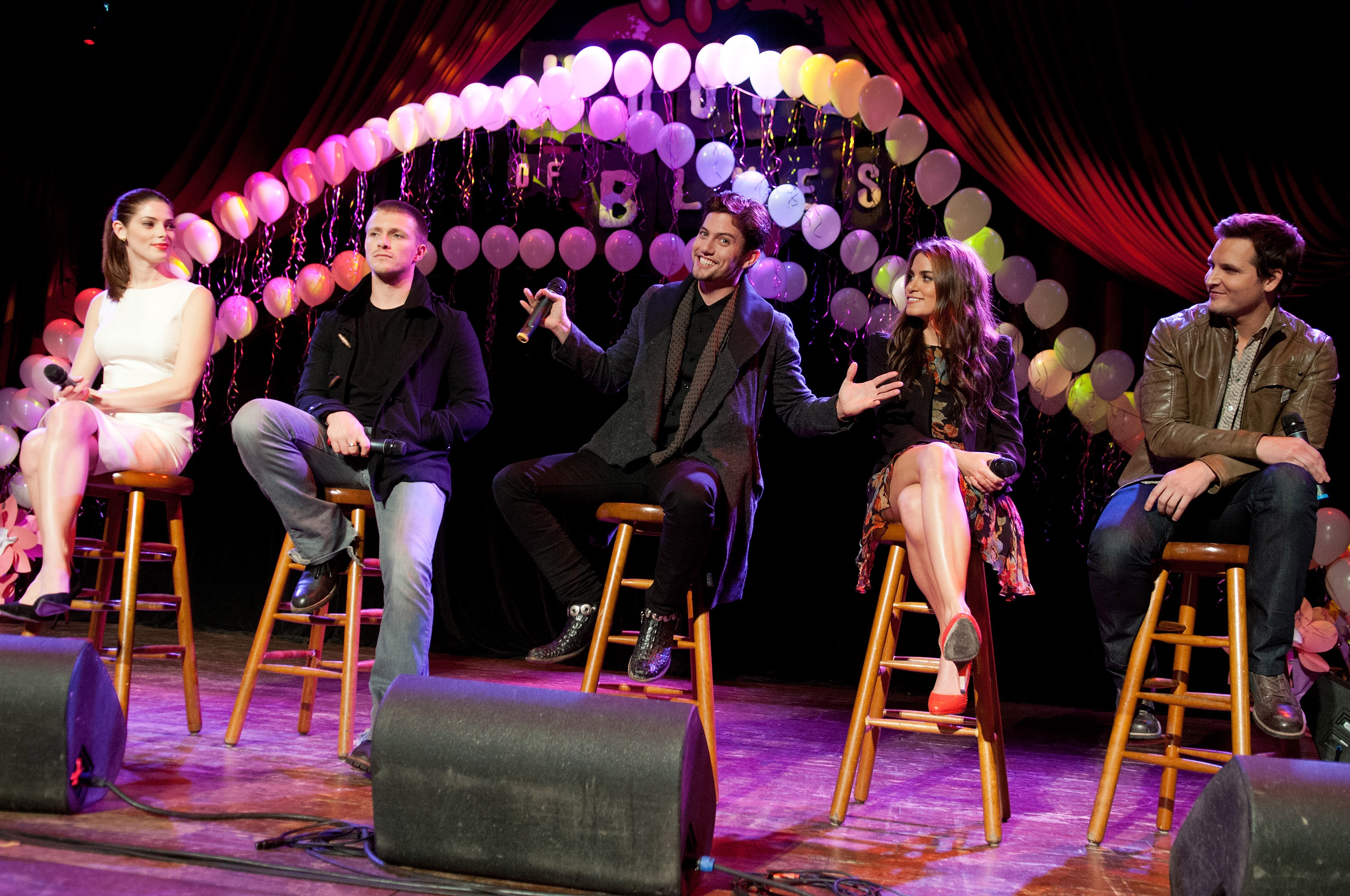 Charlie Bewley took the stage with Twilight's Ashley Greene, Jackson Rathbone, Nikki Reed, and Peter Facinelli.