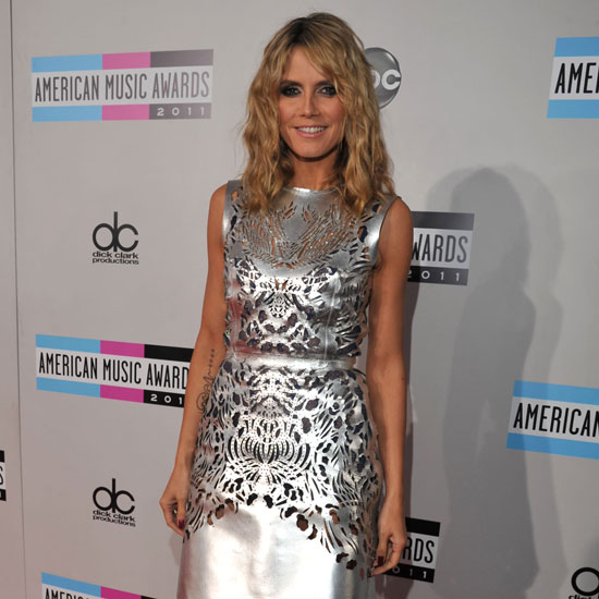American Music Awards Red Carpet Arrival Pictures 2011